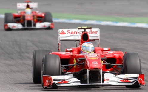 6 - Alonso leads Massa